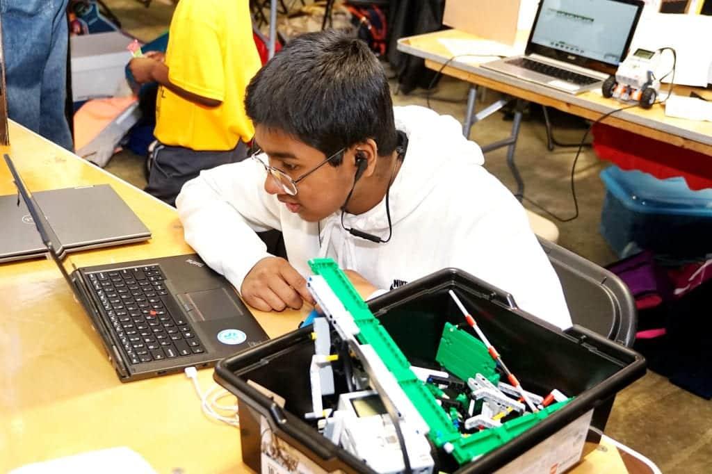 Robotics Student Programing